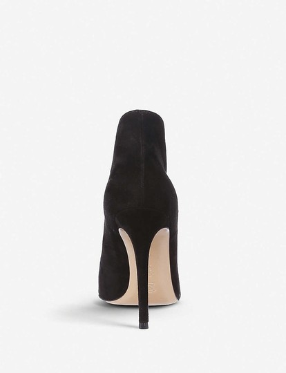 Gianvito Rossi Black Pumps Image 1