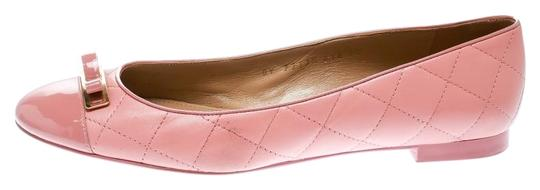 Preload https://img-static.tradesy.com/item/25932294/salvatore-ferragamo-pink-quilted-leather-bow-ballet-flats-size-eu-405-approx-us-105-regular-m-b-0-1-540-540.jpg