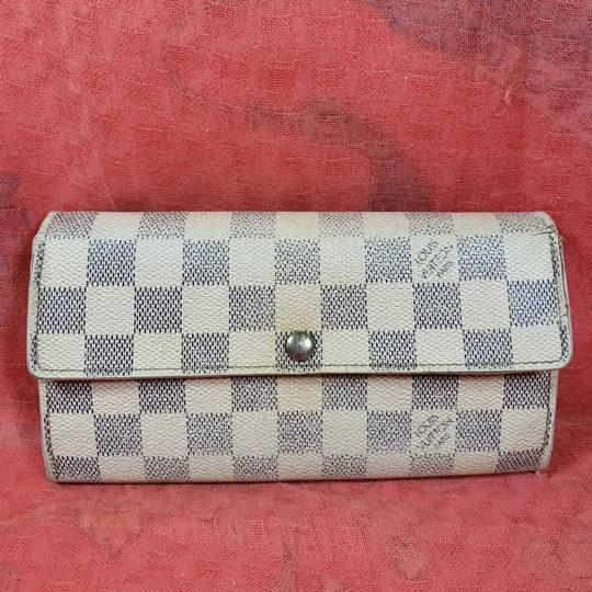 Preload https://item4.tradesy.com/images/louis-vuitton-beige-and-light-purple-azur-bifold-wallet-25932408-0-1.jpg?width=440&height=440