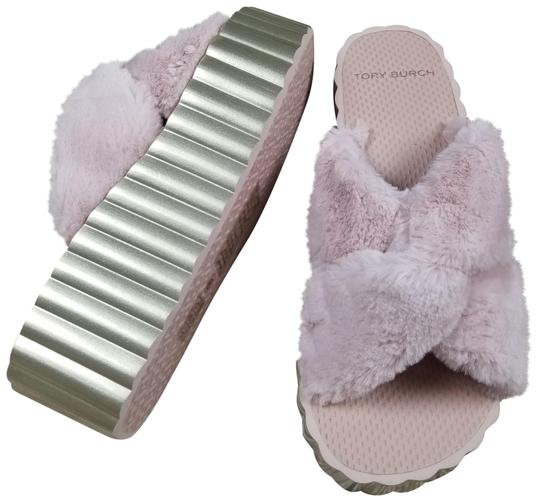 Preload https://img-static.tradesy.com/item/25932506/tory-burch-pink-faux-fur-scallop-platform-slide-sandals-size-us-8-regular-m-b-0-1-540-540.jpg