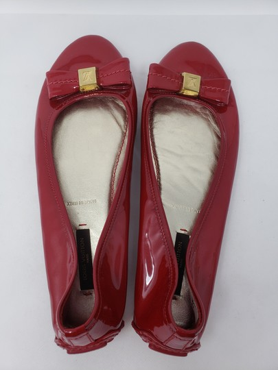 Louis Vuitton Lv Logo Charm Gold Hardware Patent Leather Red Flats Image 10