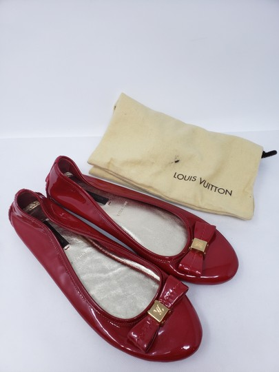 Louis Vuitton Lv Logo Charm Gold Hardware Patent Leather Red Flats Image 2