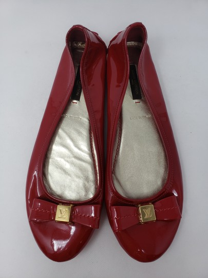 Louis Vuitton Lv Logo Charm Gold Hardware Patent Leather Red Flats Image 3