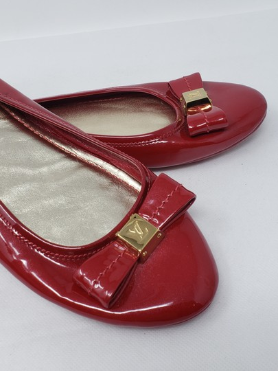 Louis Vuitton Lv Logo Charm Gold Hardware Patent Leather Red Flats Image 7