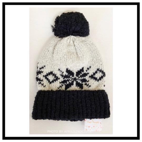 Free People FREE PEOPLE COZY LUXE POM POM RIBBED KNIT NORDIC BEANIE HAT Image 1