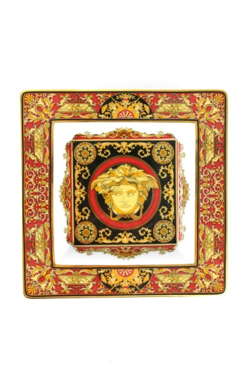 Preload https://img-static.tradesy.com/item/25934577/versace-red-rare-medusa-tray-0-0-540-540.jpg