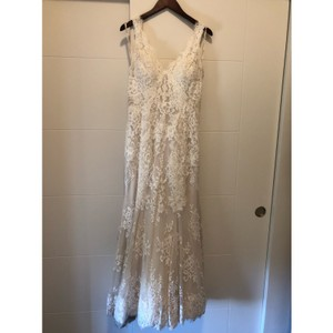 Off White Lace Gown Feminine Wedding Dress Size 8 (M)