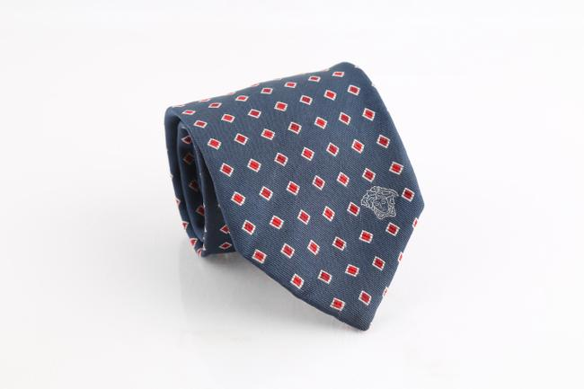 Item - Blue Silk with Red Diamond Pattern Tie/Bowtie