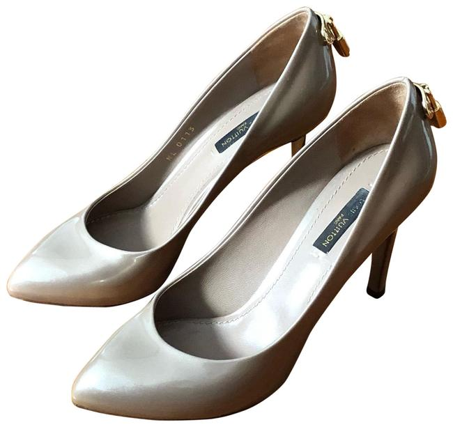 Item - Rose Poudre Oh Really Pumps Size US 6 Narrow (Aa, N)