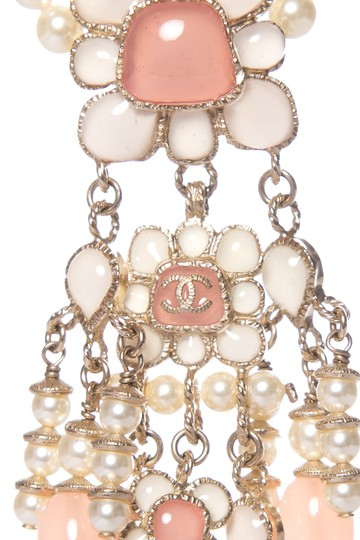 Chanel CHANEL Pink Floral Faux Pearl Necklace Image 3