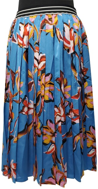Item - Blue Banded Waist Floral Theme Pleated Skirt Size Petite 8 (M)