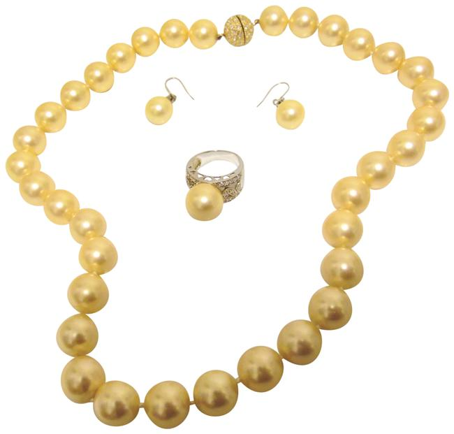 Item - Faux South Sea Pearl Ring and Earring Set Necklace