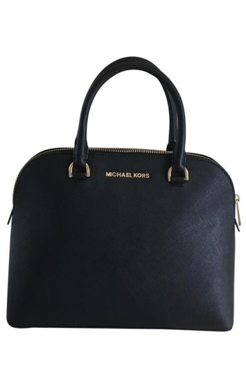 Preload https://img-static.tradesy.com/item/25945275/michael-kors-cindy-large-dome-black-saffiano-leather-satchel-0-0-540-540.jpg