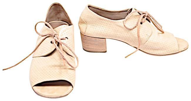 Marsèll Beige Vanilla Perforated Leather Hand Made Open Toe Lace Up Oxfords Pumps Size EU 38 (Approx. US 8) Regular (M, B) Marsèll Beige Vanilla Perforated Leather Hand Made Open Toe Lace Up Oxfords Pumps Size EU 38 (Approx. US 8) Regular (M, B) Image 1