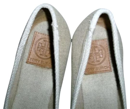 Preload https://img-static.tradesy.com/item/25945710/tory-burch-gold-and-tan-canvas-wedges-size-us-85-regular-m-b-0-1-540-540.jpg