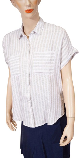 Preload https://img-static.tradesy.com/item/25945772/lucky-brand-white-grey-stripe-cap-sleeve-blouse-s-button-down-top-size-6-s-0-1-650-650.jpg