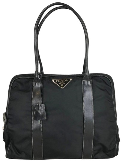 Preload https://img-static.tradesy.com/item/25945990/prada-bag-black-nylon-tote-0-1-540-540.jpg