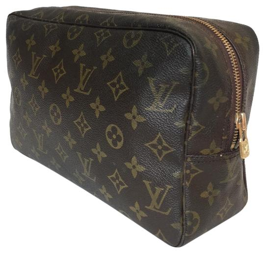 Preload https://img-static.tradesy.com/item/25946022/louis-vuitton-brown-trousse-pouch-toilette-28-cosmetic-bag-0-1-540-540.jpg