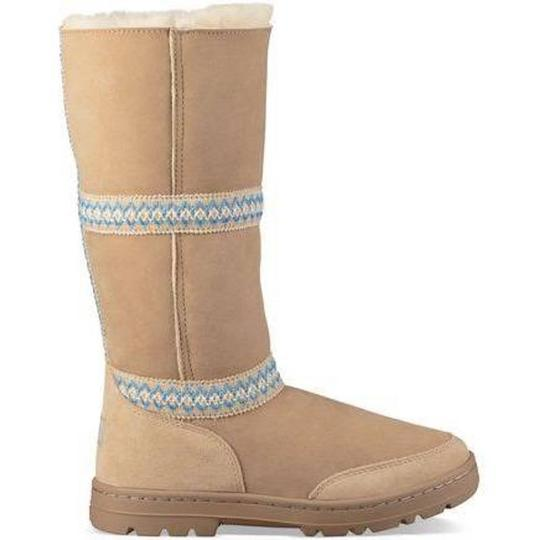 UGG Australia New With Tags New In Box TAN Boots Image 1