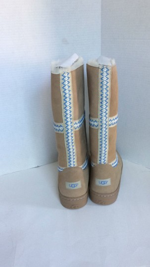 UGG Australia New With Tags New In Box TAN Boots Image 9