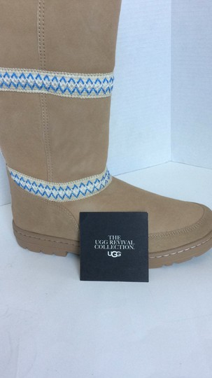 UGG Australia New With Tags New In Box TAN Boots Image 4