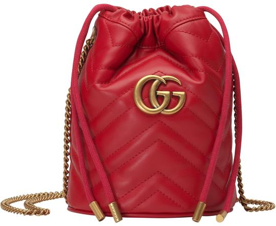 Preload https://img-static.tradesy.com/item/25946252/gucci-bucket-marmont-nr-mini-gg-20-quilted-hibiscus-red-leather-shoulder-bag-0-2-540-540.jpg