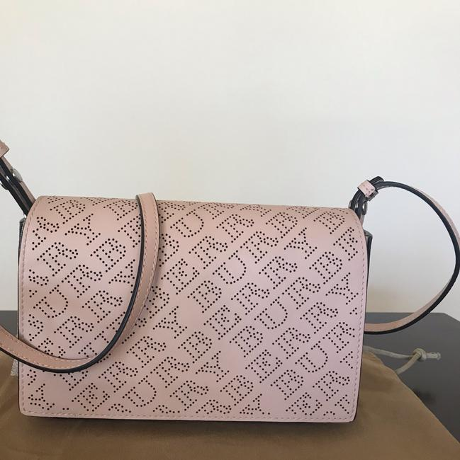 Burberry Pale Fawn Pink Leather Shoulder Bag Burberry Pale Fawn Pink Leather Shoulder Bag Image 5