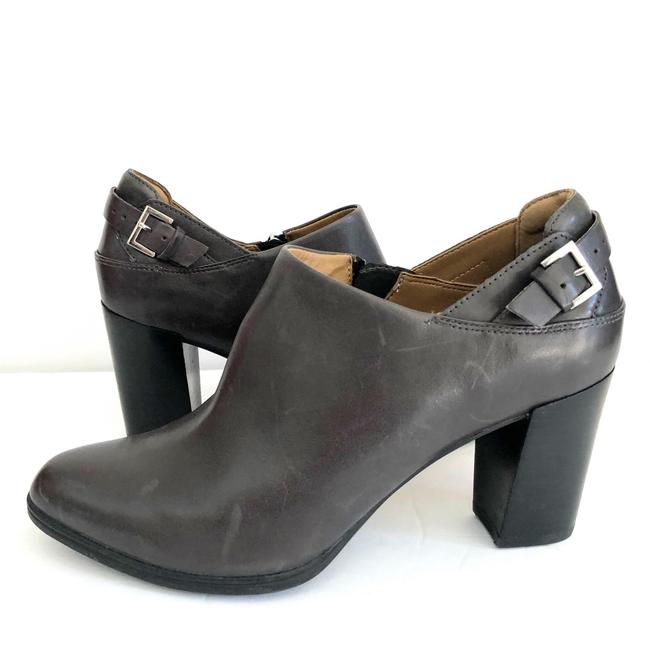 Clarks Dark Gray Distressed Leather Color Boots/Booties Size US 9.5 Regular (M, B) Clarks Dark Gray Distressed Leather Color Boots/Booties Size US 9.5 Regular (M, B) Image 1