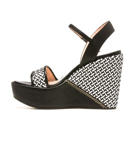 Preload https://img-static.tradesy.com/item/25946569/stuart-weitzman-holiday-pipe-woven-wedges-size-us-85-regular-m-b-0-3-540-540.jpg