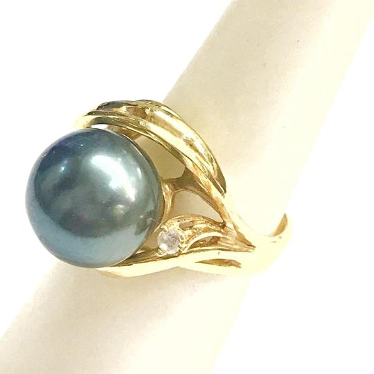 Preload https://img-static.tradesy.com/item/25946780/estate-collection-14-karat-yellow-gold-cz-and-black-pearl-ring-0-1-540-540.jpg