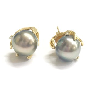 DeWitt's ESTATE COLLECTION!! 14 Karat Yellow Gold, Black Pearl And Diamond Earrings
