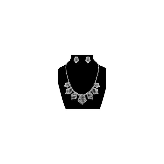 Unbranded Silver Tone Pendant Necklace Unbranded Silver Tone Pendant Necklace Image 1