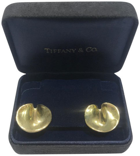 Preload https://img-static.tradesy.com/item/25947099/tiffany-and-co-yellow-gold-angela-cummings-lily-pad-earrings-0-1-540-540.jpg