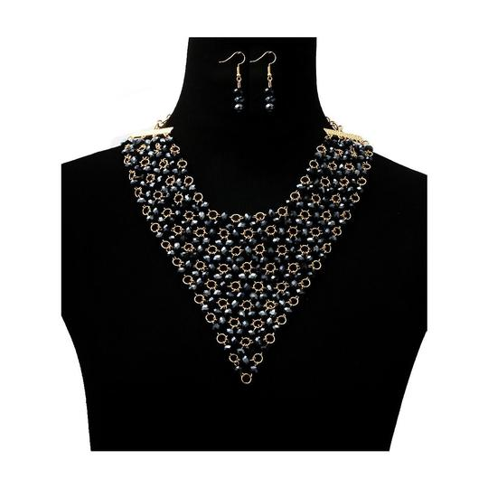 Preload https://img-static.tradesy.com/item/25947128/navy-blue-beads-necklace-0-0-540-540.jpg
