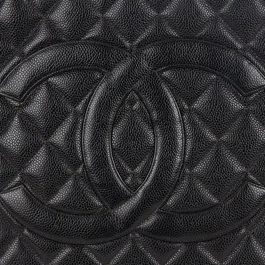 Chanel Medallion Vintage Tote in Black Image 5