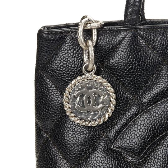 Chanel Medallion Vintage Tote in Black Image 6