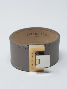 Balenciaga Grey leather Balenciaga Le Dix logo buckle closure bracelet