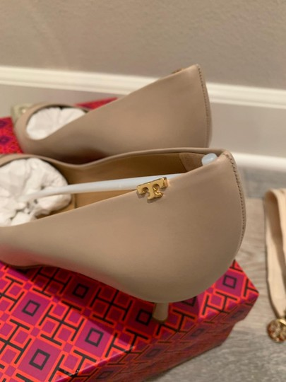 Tory Burch Light Taupe/Spark Gold Pumps Image 3