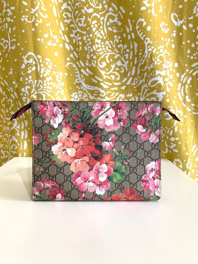 Gucci Supreme Monogram Blooms Pink Cosmetic Clutch Image 1
