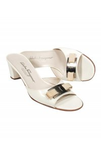 Salvatore Ferragamo Pumps cream Mules