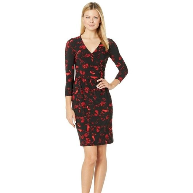 Item - Red & Black Ruched Floral Bethy Sheath Mid-length Cocktail Dress Size Petite 10 (M)