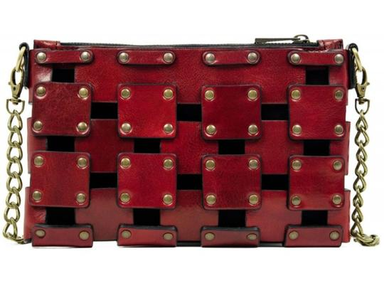 Preload https://img-static.tradesy.com/item/25950754/gone-girl-purseclutch-red-leather-clutch-0-0-540-540.jpg