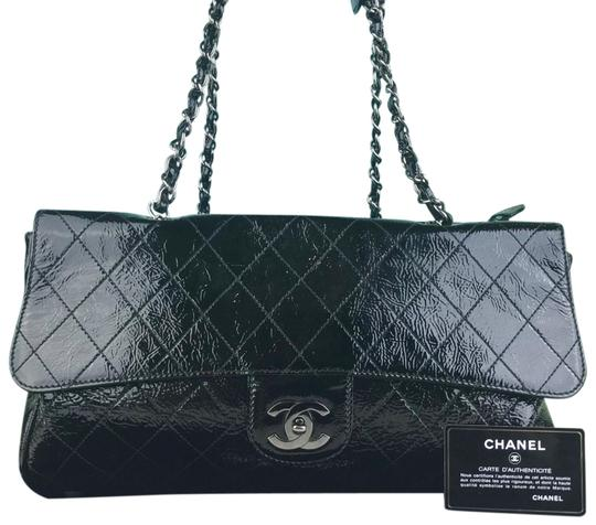 Preload https://img-static.tradesy.com/item/25951166/chanel-quilted-ritz-sale-black-patent-leather-shoulder-bag-0-2-540-540.jpg