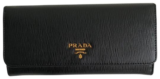 Preload https://img-static.tradesy.com/item/25951167/prada-black-red-long-pattina-w-black-leather-id-holder-wallet-0-2-540-540.jpg