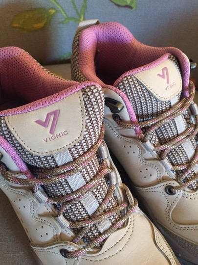Vionic Taupe Athletic Image 3