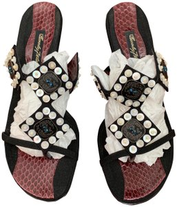 Beverly Feldman Black & Burgundy Sandals
