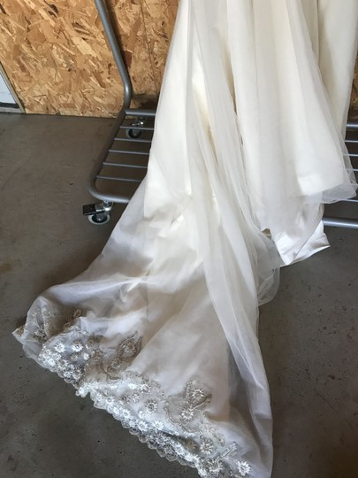 Priscilla of Boston Ivory Silk and Tulle Platinum Collection Formal Wedding Dress Size 4 (S) Image 4