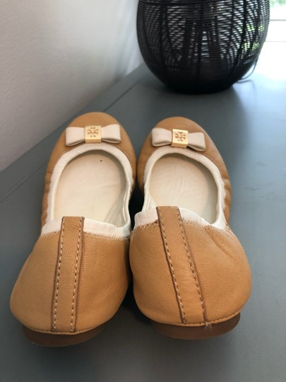 Tory Burch Two-toned Flats Image 4