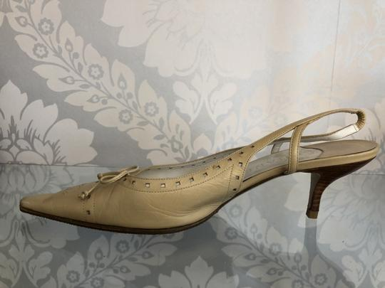 Chanel Beige Pumps Image 3