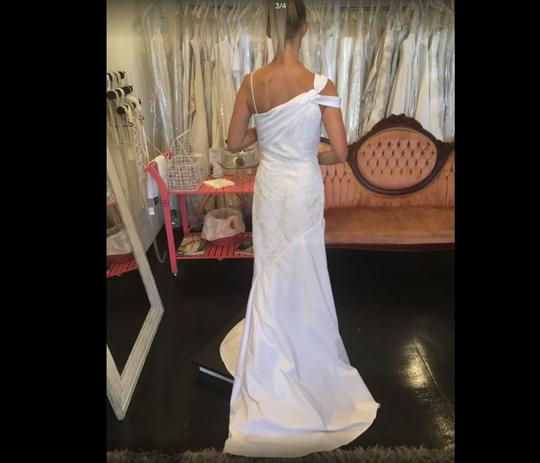 White Modern Simple Flowing Casual Wedding Dress Size 10 (M) Image 2